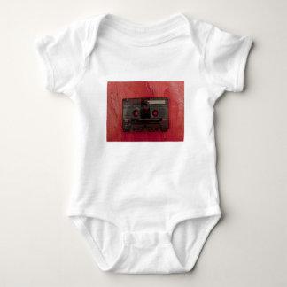 T-shirts Vermelho do vintage da música da cassete de banda