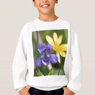 T-shirts Viola e ranúnculo