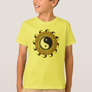 T-shirts Yin Yang Sun trançado