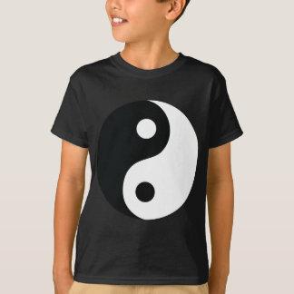 T-shirts ying e ícone de yang