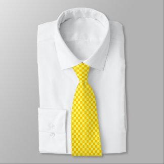 Tabuleiro de damas amarelo da combinação por gravata