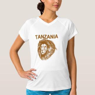 Tanzânia com t-shirt do leão