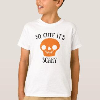 Tão bonito é laranja de esqueleto assustador do t-shirt