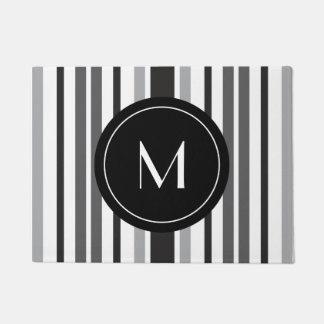 Tapete Monograma feito sob encomenda branco preto