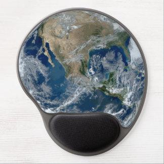 Terra do planeta do espaço com nuvens mouse pad de gel