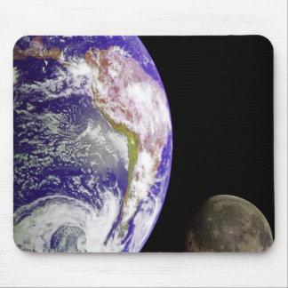 Terra e lua mouse pad