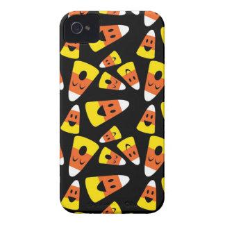 Teste padrão alaranjado feliz do Dia das Bruxas do Capas Para iPhone 4 Case-Mate