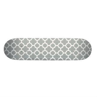Teste padrão cinzento da treliça de Quatrefoil Skate
