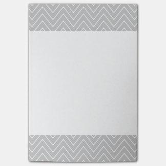 Teste padrão cinzento de Chevron Post-it Notes