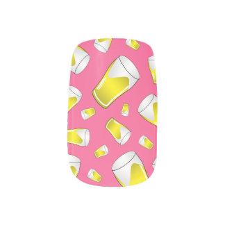 Teste padrão cor-de-rosa da cerveja nail wrap