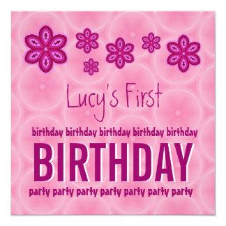 Teste padrão cor-de-rosa do primeiro aniversario convite quadrado 13.35 x 13.35cm