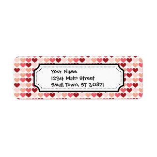 Teste padrão cor-de-rosa vermelho dos corações do etiqueta endereço de retorno
