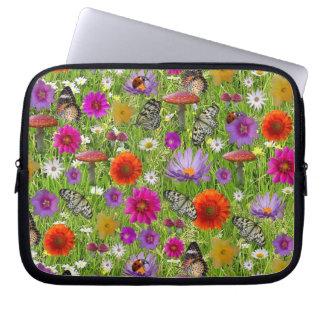 Teste padrão da colagem da flor e da borboleta capa para notebook