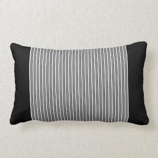 Teste padrão da listra (preto e branco) travesseiros