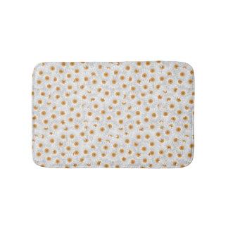 Teste padrão de flor branco da camomila tapete de banheiro