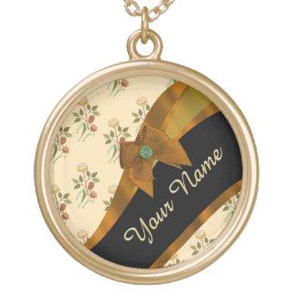 Teste padrão de flor floral do vintage marrom colar banhado a ouro