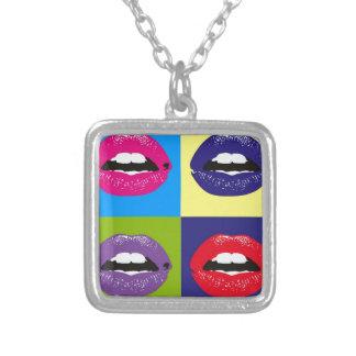 Teste padrão Deisgn dos lábios do pop art Colar Banhado A Prata