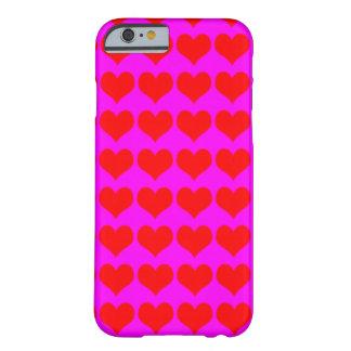 Teste padrão: Fundo cor-de-rosa com corações Capa Barely There Para iPhone 6