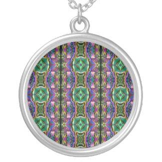 Teste padrão místico azul roxo verde do diamante colar banhado a prata