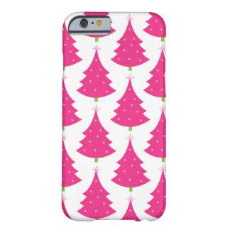 Teste padrão retro cor-de-rosa bonito da árvore de capa iPhone 6 barely there
