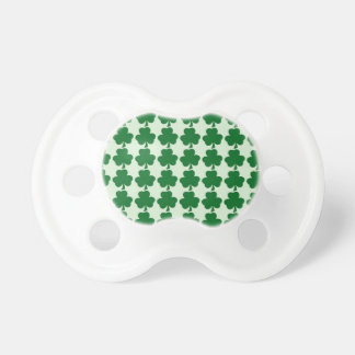 Teste padrão verde do trevo chupeta de bebê