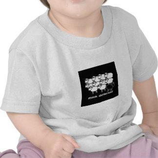Think Different - Pense Diferente T-shirts