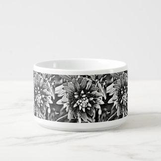 Tigela Flor do cacto na bacia preto e branco do pimentão
