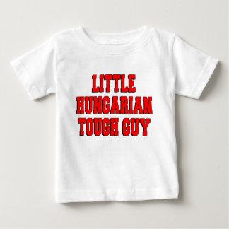 Tipo duro húngaro pequeno camisetas