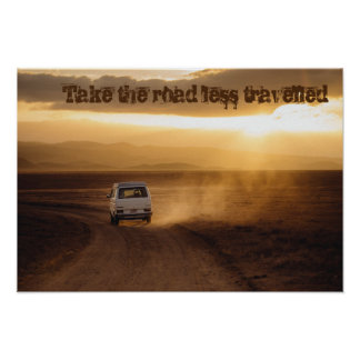 Tome a estrada viajou menos pôster