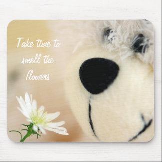 Tome o tempo cheirar as flores mouse pad