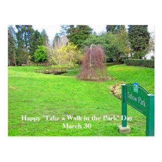 Tome uma caminhada no cartão do dia do parque cartoes postais