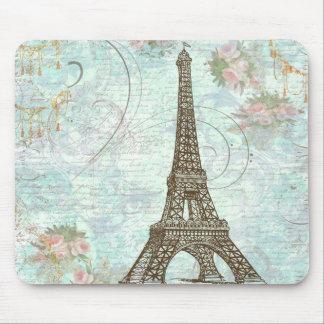 Torre Eiffel e rosas cor-de-rosa Mousepads