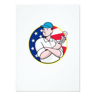 Trabalhador americano do canalizador com chave convites personalizados