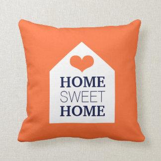 Travesseiro alaranjado e azul HOME DOCE HOME