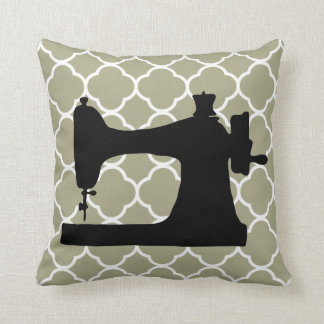 Travesseiro branco da decoração da arte da máquina almofada