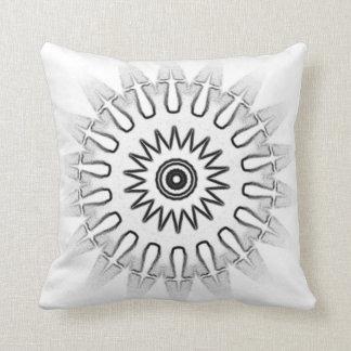 Travesseiro branco & preto do caleidoscópio