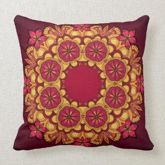Travesseiro com a grinalda floral elegante