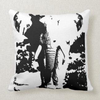 Travesseiro com o elefante preto e branco do almofada