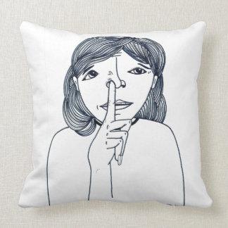 Travesseiro da ilustração da menina do nariz da almofada