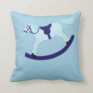 """Travesseiro decorativo azul 16"""" do cavalo de almofada"""