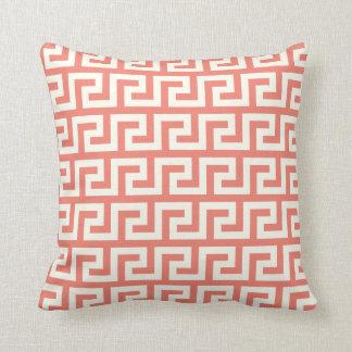 Travesseiro decorativo chave grego coral almofada