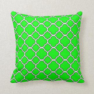 Travesseiro decorativo do teste padrão verde-claro almofada