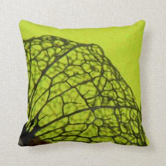 Travesseiro decorativo marrom verde da flor do almofada