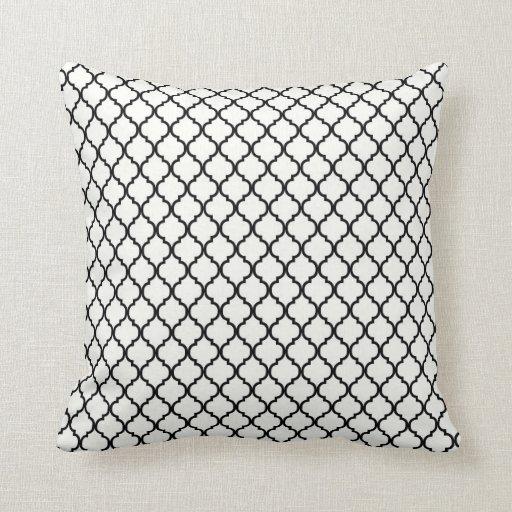 Travesseiro decorativo preto e branco de