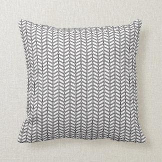 travesseiro decorativo preto e branco do teste pad