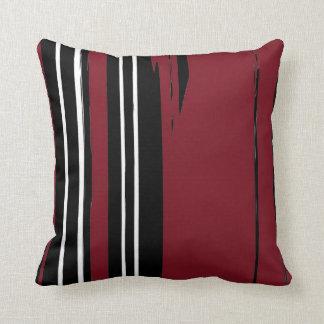 Travesseiro decorativo vermelho branco preto
