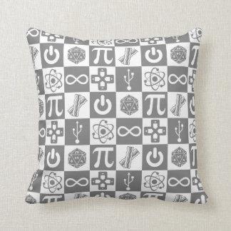 Travesseiro dos símbolos do geek almofada