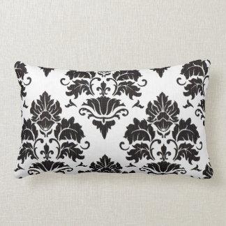 Travesseiro lombar preto e branco do damasco