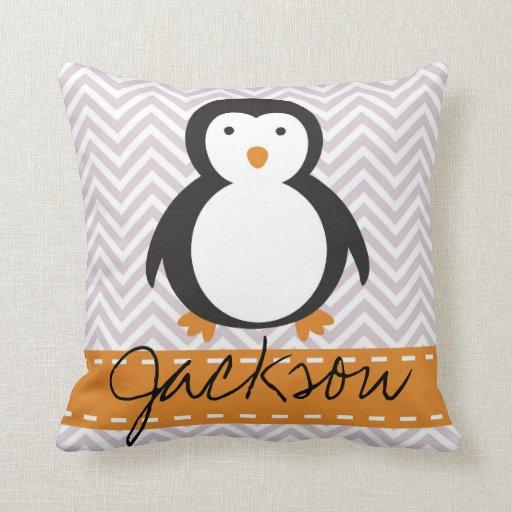 Travesseiro personalizado do pinguim do feriado do