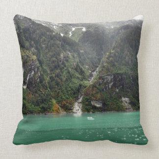 Travesseiro verde da paisagem almofada